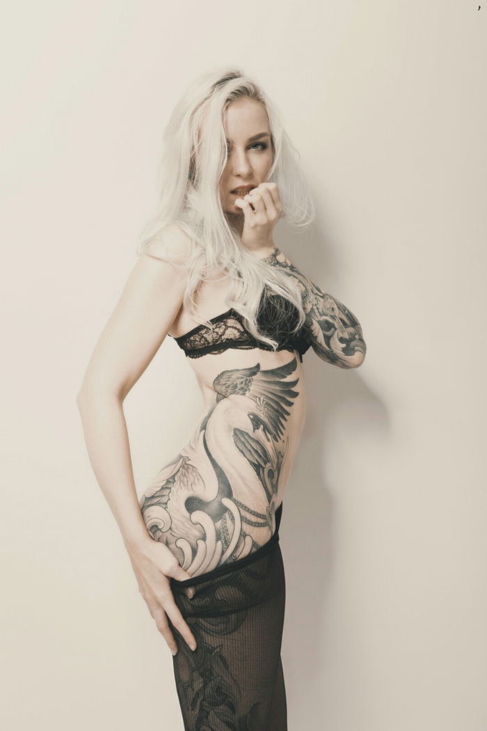 Pretty Hot Girls With Tattoos (50 Photos)
